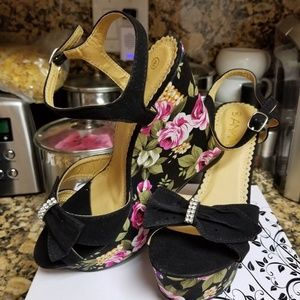 Floral  Wedge Sandal by Anna NWOT